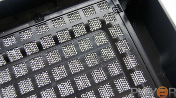 Thermaltake Chaser A31 Top Panel Dust Filtering