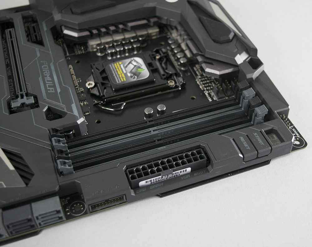 ASUS Z170 Maximus Formula VIII Review 6