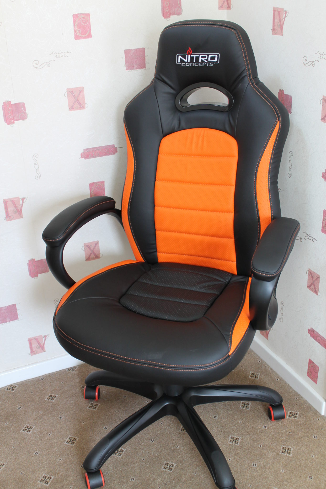 Nitro Concepts C80 Pure Series Gaming Chair Review Play3r